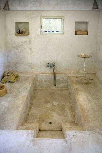 The Surface Of The Concrete Bathtub Is Soft Enough For The User To Be  Comfortable When Sitting Inside, But It Is Also Rough Enough To Allow The  Feet To Grip ...